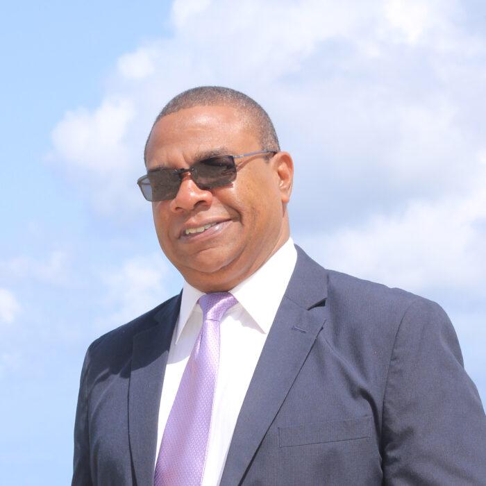 Juni Sluis, Continental Distributors – Curacao